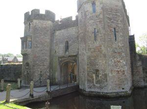 Wells.Bishops Castle.June 18