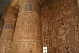 luxor-west-bank-temple-columns-hieroglyphs
