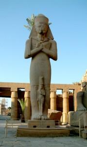 statue2-179x300