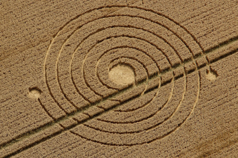 crop-circle-silbury-england-on-august-8-2013
