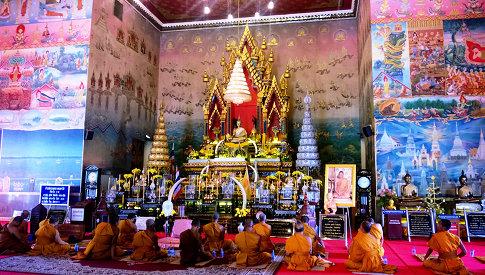 485x275px-Wat_Po_Chai_3
