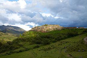 Peru_-_Cusco_Sacred_Valley_&_Incan_Ruins_040_-_Pukapukara_(2)