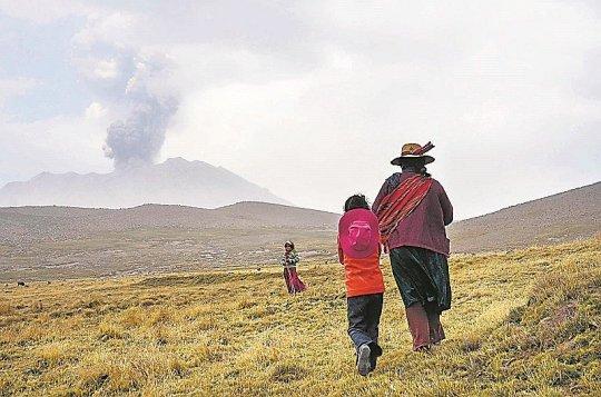 erupciones-del-volcan-saban-jpg_976x0
