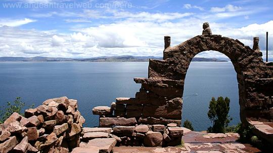 lake_titicaca_002_800x450