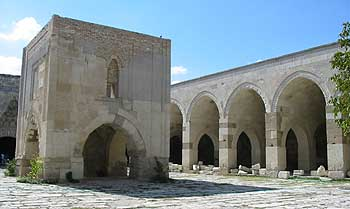 sultanhani-caravansaray