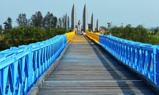 HienLuong and Ben Hai River